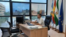 Juan Franco, alcalde de La Línea, durante la reunión telemática de hoy. Foto: lalínea.es