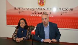 El alcalde de San Roque junto a la concejal de Fiestas