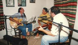 Una actuación del grupo: Esteban y Rafael Gallego junto a Francisco Hurtado