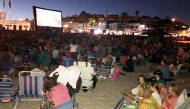 El cine de verano en la playa arranca mañana en Getares