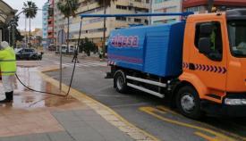 Algeciras intensifica los trabajos de desinfección de calles y mobiliario urbano