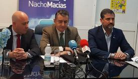 Nacho Macías, a la izquierda, el día que se presentó el nuevo candidato del PP