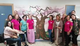 La planta de Oncohematología del Punta Europa acoge un 'Árbol de la vida'