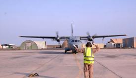 Avión de patrulla marítima español, en su base de Yibuti. Foto EMAD