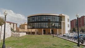 Fachada principal del Ayuntamiento linense