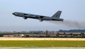 Un B-52H despega desde Morón para participar en la Operación 'Allied Sky'. Foto USAF/Aileen Lauer