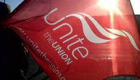 Bandera con el símbolo del sindicato Unite