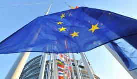Banderas ante la sede de la UE en Bruselas