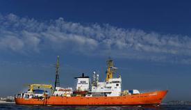 Barco Aquarius, todavía con bandera de Gibraltar