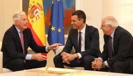 Barnier, Sánchez y Borrell en Madrid hace un mes