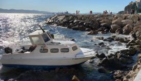 Embarcación en la que viajaban los dos detenidos. Foto NG