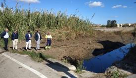 Emalgesa y Algesa limpian el cauce del arroyo Cachón en El Rinconcillo