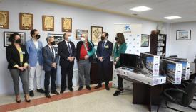 CaixaBank dona 20 equipos audiovisuales a los internos de Botafuegos