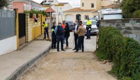 Aspecto de la calle urbanizada en Torreguadiaro