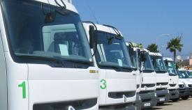 Varios camiones de limpieza del Ayuntamiento de La Línea. Foto: NG