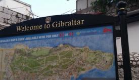 Cartel turístico de bienvenida a Gibraltar