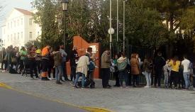 Pacientes colas de centenares de ciudadanos para las pruebas de donación