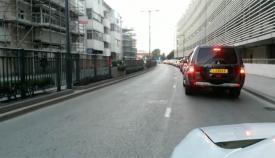 Las colas provocaron retenciones en las calles del casco urbano de Gibraltar