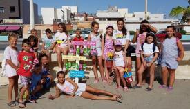 Una de las actividades del programa realizada en la playa de la Atunara