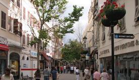 Main Street, la calle principal de Gibraltar. Foto NG