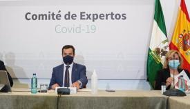 El presidente andaluz con el comité de expertos. Foto EP