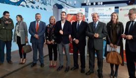 El consejero junto al alcalde de La Línea y otras autoridades
