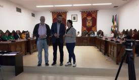 El alcalde, Juan Franco, y dos de sus concejales en el Consejo de esta mañana