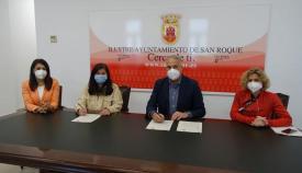Firma del convenio de la UNED con el Ayuntamiento de San Roque