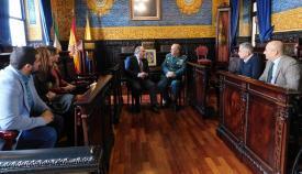 El coronel de la Comandancia de la Guardia Civil se despide del alcalde