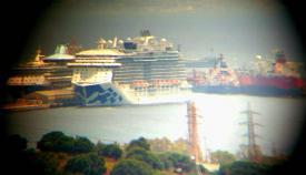 Crucero Royal Princess, atracado hoy en el puerto de Gibraltar