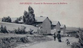 Imagen de la parte lateral del cuartel de San Roque, en el Camino del Almendral. Postal de 1910