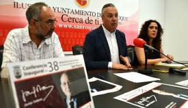 El alcalde de San Roque presenta los Cursos de Verano