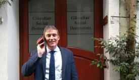 Daniel Feetham, a la puerta de la sede del GSD. Foto NG