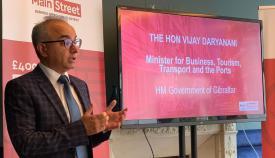 Presentación del Plan de Negocios para Main Street. Foto NG