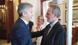 El ministro del Interior, Grande Marlaska, con Salvador de la Encina