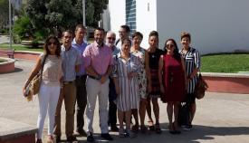 Juan Franco y sus concejales, hoy ante la Oficina de Turismo de la Junta