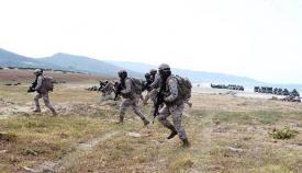 Infantes de marina en la playa de la sierra del Retín (Barbate). Foto Armada Española