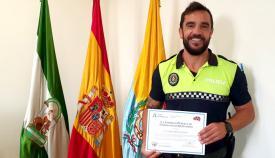 Cándido Rivera con el diploma. Foto: Ayto Algeciras