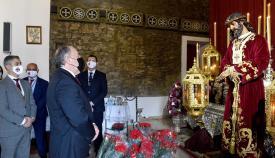 Landaluce visita al Cristo de Medinaceli para su veneración