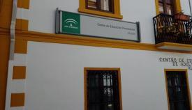 Fachada de la sede de Albalate