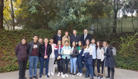 El delegado de Educación junto a alumnos y profesores del 'Tolosa'