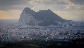 El Peñón de Gibraltar, visto desde España. Foto Sergio Rodríguez