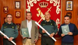 La Comandancia de Algeciras hace entrega de dos reproducciones de planos de Carabineros