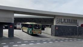 Un autobús entrando en la estación de Algeciras