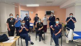 Equipo de vacunas del St Bernard. Foto GHA