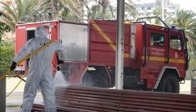 La UME desinfecta las dependencias del hospital Punta Europa