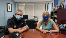 Eva Pajares recibe al nuevo comisario de la Policía Nacional en Algeciras
