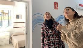 Eva Pajares junto a Begoña Arana, este lunes en La Línea