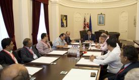 Firma del acuerdo de colaboración hoy en la sede del gobierno de Gibraltar