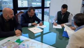 El Ayuntamiento de La Línea firma un contrato con Urbaser